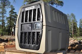 Gunner dog crate for traveling with dogs
