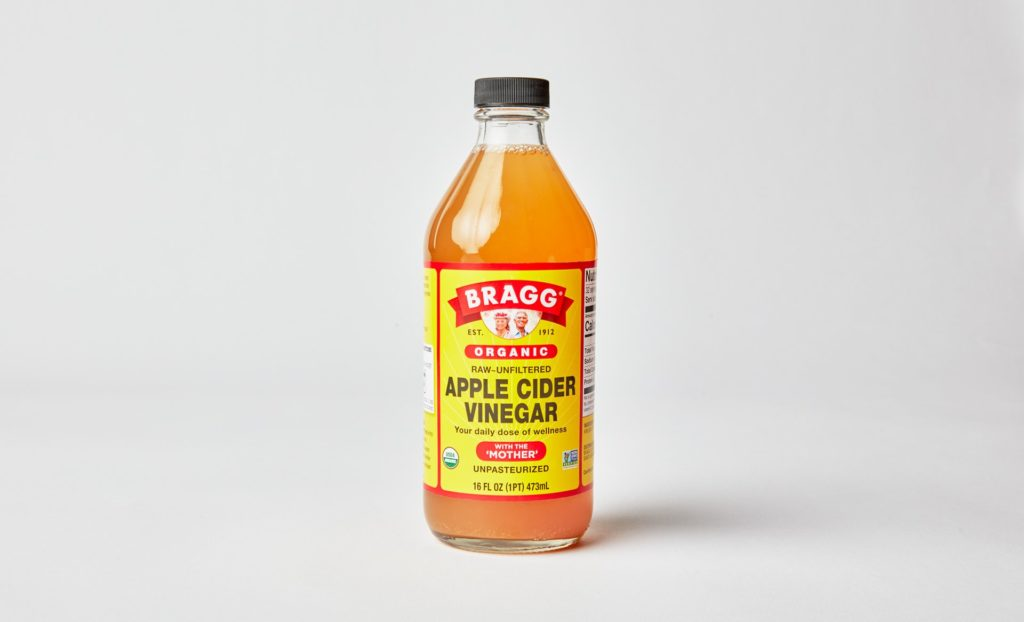 apple cider vinegar for dogs ears skin and digestion